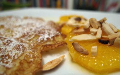 Kanarische Waffeln mit marinierten Orangen und gerösteten Mandeln