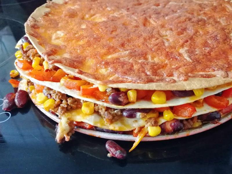 mexikanischer Tortilla Chili con Carne Auflauf