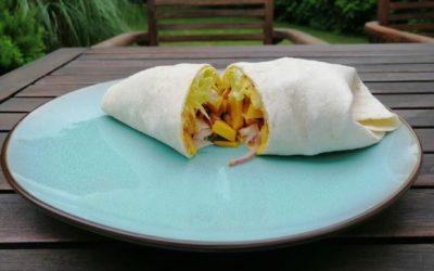 Asia-Wrap mit Curry, Mango und Hähnchen
