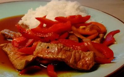 Rindfleisch-Teriyaki mit Gemüse und Ingwer
